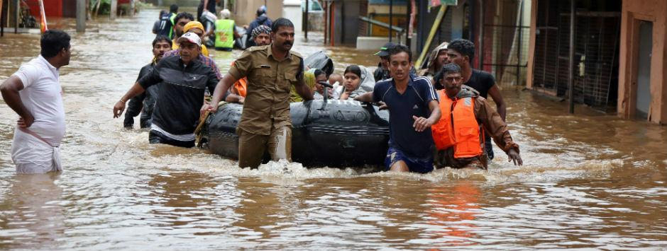 Kerala floods LIVE updates: Chicken pox reported in Ernakulam; 8.45 lakh people shifted to 3,746 relief camps