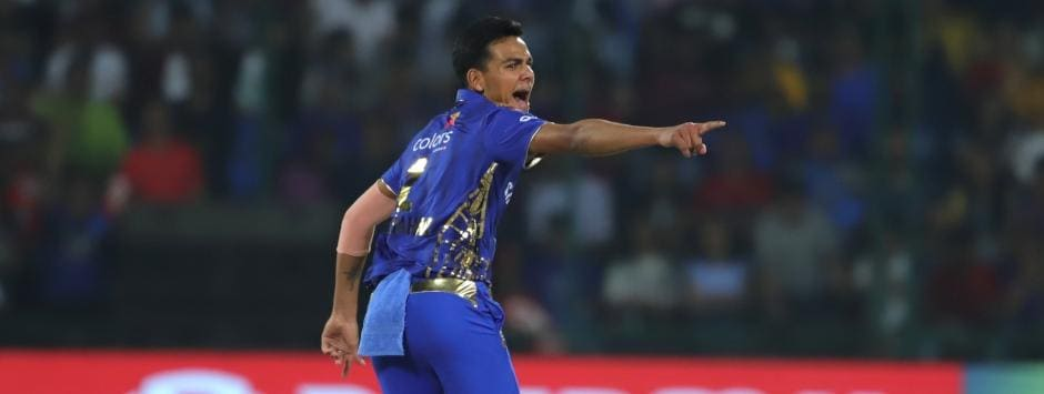 IPL 2019 LIVE SCORE, DC vs MI Match at Feroz Shah Kotla: Rahul Chahar's three derails Delhi Capitals