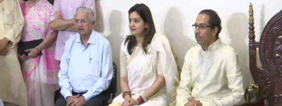 Lok Sabha Election 2019 LIVE updates: Priyanka Chaturvedi says Congress has let her down, 'joining Shiv Sena to return to roots'