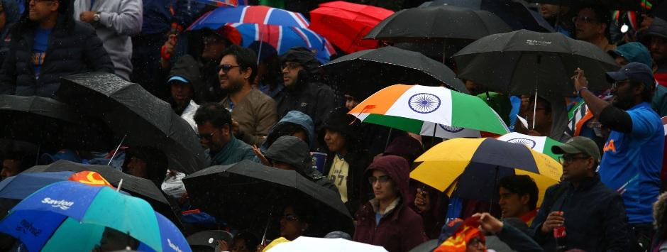 India vs Pakistan LIVE Match SCORE, ICC Cricket World Cup 2019 at Manchester: Rain halts India's surge; official update at 7pm