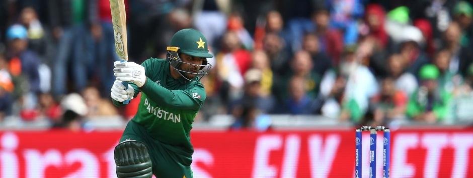 India vs Pakistan LIVE Match SCORE, ICC Cricket World Cup 2019 at Manchester: Bowlers keep lid on Pakistan in steep chase