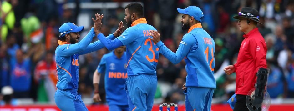 India vs Pakistan LIVE Match SCORE, ICC Cricket World Cup 2019 at Manchester: Pandya removes Hafeez, Malik in same over