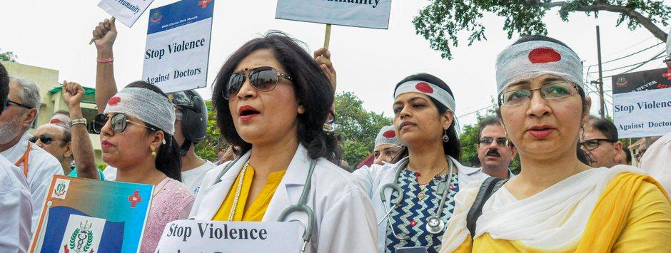Doctors end week-long stir after Mamata announces steps to boost security; long queues, shut OPDs mark day for patients