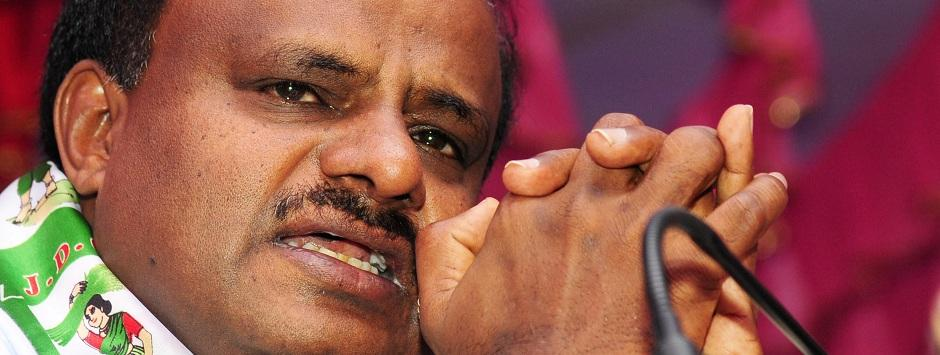HD Kumaraswamy fights losing battle to save Congress-JD(S) govt in Karnataka; all eyes on upcoming SC order