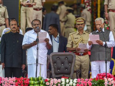 HD Kumaraswamy takes oath as Karnataka CM at grand gala, marks Opposition show of unity