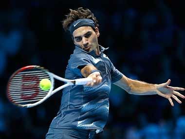 Roger Federer wins first match at ATP finals