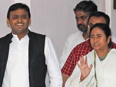 Akhilesh Yadav outsmarts Mamata Banerjee, stays away from Lucknow demonetisation rally