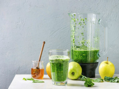 Five quick and easy-to-make smoothies for weight-loss