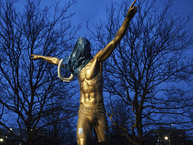 After nose, Zlatan Ibrahimovics ankles sawn off outside Malmo stadium as vandals attack footballers statue again