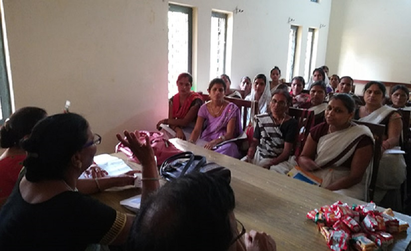 ASHA workers at a training session on non-communicable diseases in Farrukhabad. Image Courtesy: IndiaSpend/Swagata Yadavar