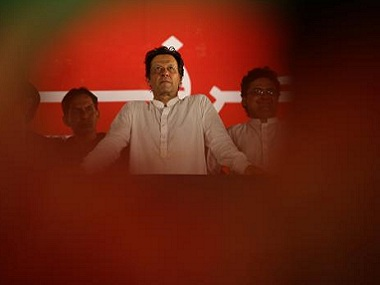 Pakistan Election 2018: Imran Khan not interested in forming alliance with PPP, PML-N even as hung verdict seems likely