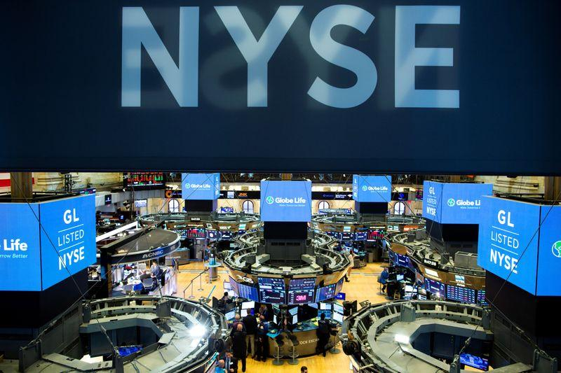 S&P 500, Dow pause near records in Christmas Eve trade