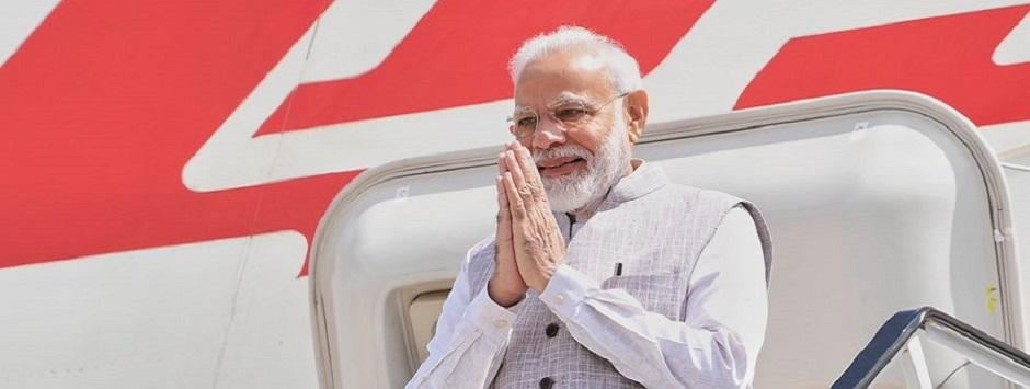 'Howdy, Modi' event in Houston LIVE Updates: 'PM told us you've suffered a lot, together we've to build new Kashmir'; Modi meets Kashmiri Pandits