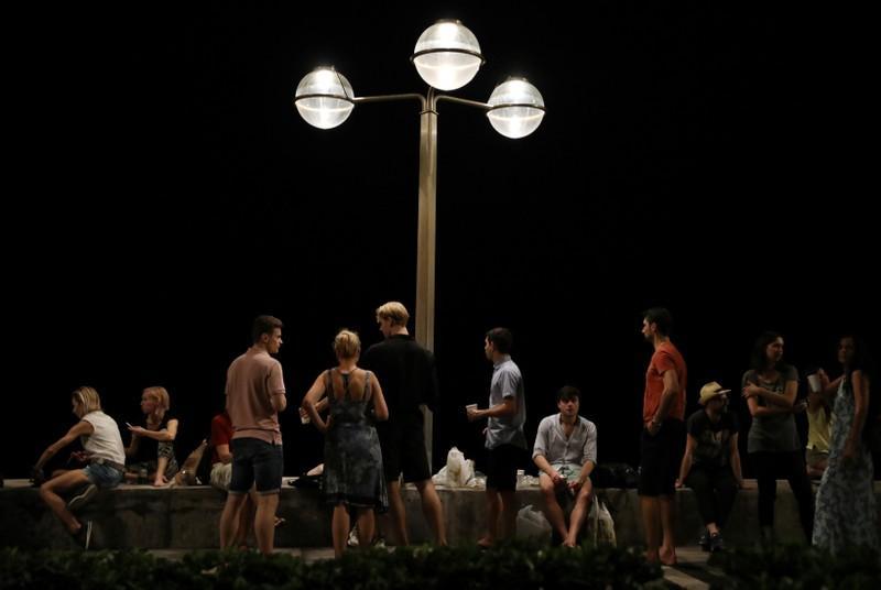 Hurricane Willa closes in on tourist city of Mazatlan