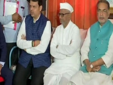 Anna Hazare calls off fast after talk with Devendra Fadnavis; Maharashtra CM says Lokpal appointment process to begin soon