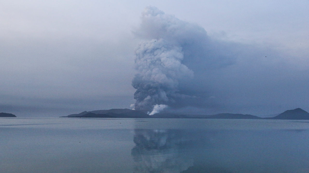 Lava erupts from Taal volcano in Philippines, tens of thousands of people evacuate their villages