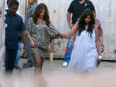 Its a girl for Ash! Abhishek, an overjoyed Daddy Bachchan