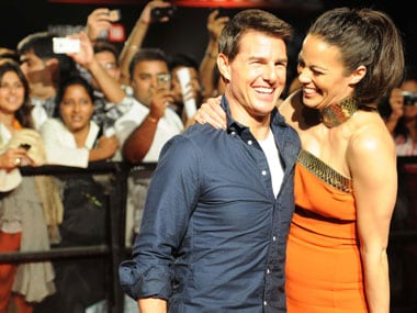 Tom Cruise arrives 45 minutes late for meet and greet with fans