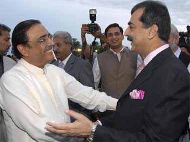 Supreme Court to decide fate of Zardari, Gilani on memo scandal