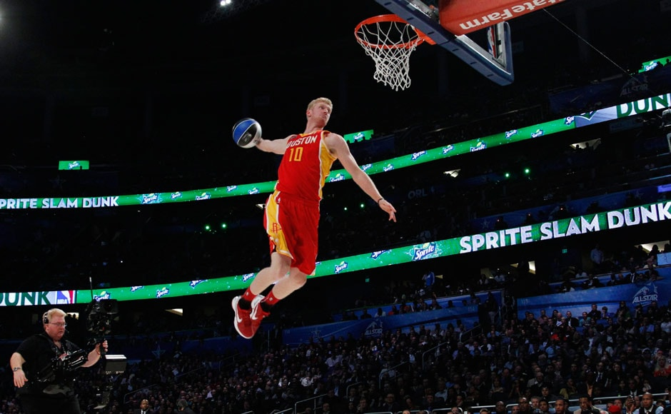 Images: The slam dunk contest during the NBA All-Star weekend