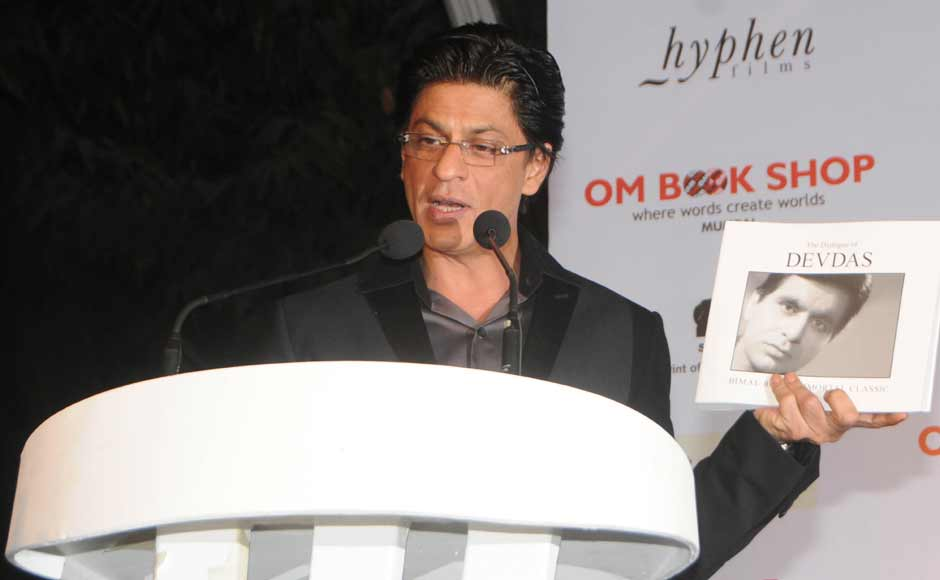 SRK read out a letter written by Dilip Kumar at at the event. Raju Shelar/ Firstpost