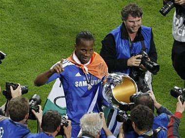Drogba signs for Chinese club Shanghai Shenhua