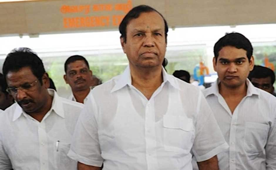 Union Minister and DMK leader TR Balu visited Union Minister Vilasrao Deshmukh last week at the Global Hospitals in Chennai where he was admitted. Deshmukh passed away today afternoon. Firstpost