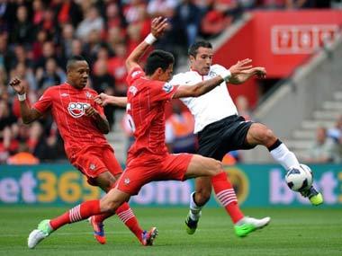 EPL: Van Persie hat-trick helps United to thrilling 3-2 win