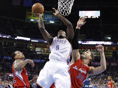 NBA: Durant stars as Thunder edge Clippers 117-111