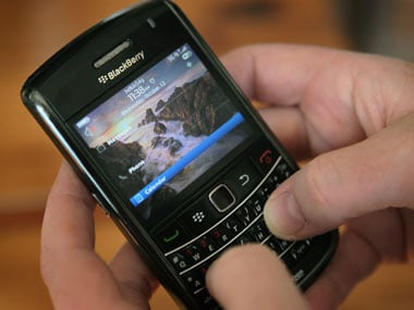 Telecos agree to real-time intercept for Blackberry messages