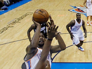 NBA: Durant leads Thunder to 10th straight win