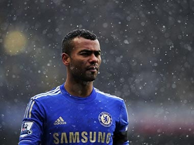 Ashley Cole staying at Chelsea, says Benitez