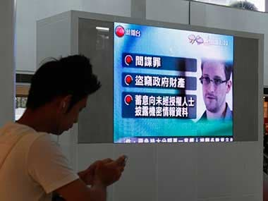 Snowden finally leaves Moscow airport, gets temporary asylum in Russia