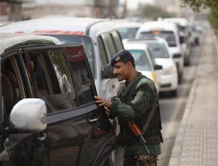 Yemen says foils Qaeda plot to seize city, oil and gas terminals