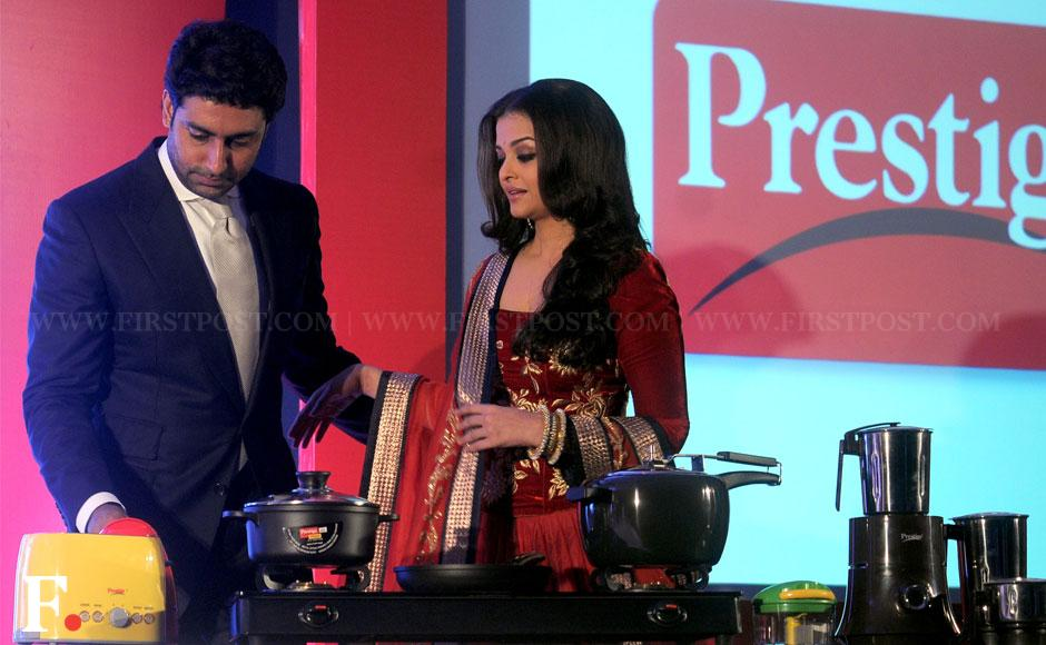 Aishwarya Rai Bachchan and Abhishek Bachchan sign Gulab Jamun