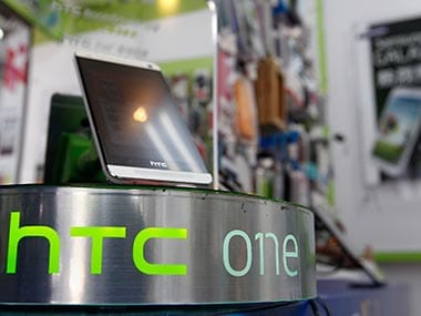 Sagging sales see HTC post first-ever quarterly loss