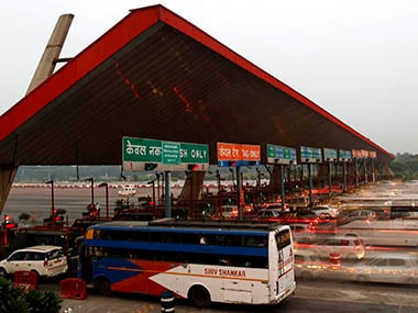 Toll dodging by goons a drag on finances of India's road operators