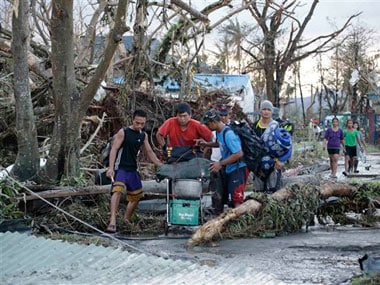 Philippines death toll from Typhoon Haiyan tops 6,000