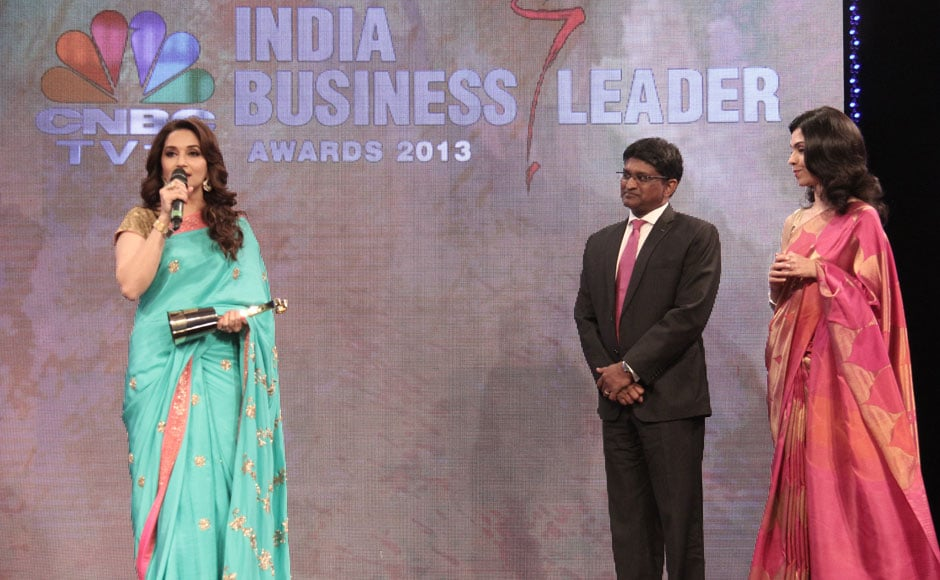 Madhuri Dixit recieves the award for outstanding contribution to the entertainment industry.