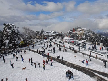Shimla, Dalhousie, Chail in Himachal Pradesh see continuous snowfall; hilly areas reeling under sub-zero temperatures