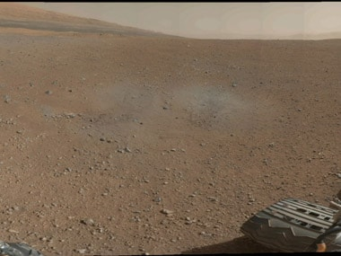 Curiosity Rover drives in reverse in Mars to lessen damage on wheels