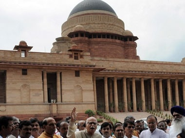 Lok Sabha adjourned till noon after Telangana protests