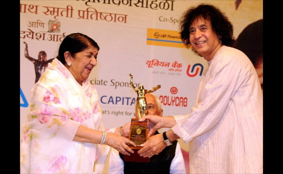 Photos: Zakir Hussain, Anna awarded by Lata Mangeshkar