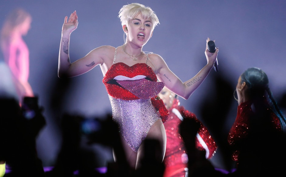 Miley Cyrus' new style statement: The 'crystal tongue' suit