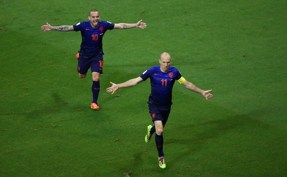 It was the Robin-Robben show as Spain were hammered, humbled and humiliated 5-1. Getty Images