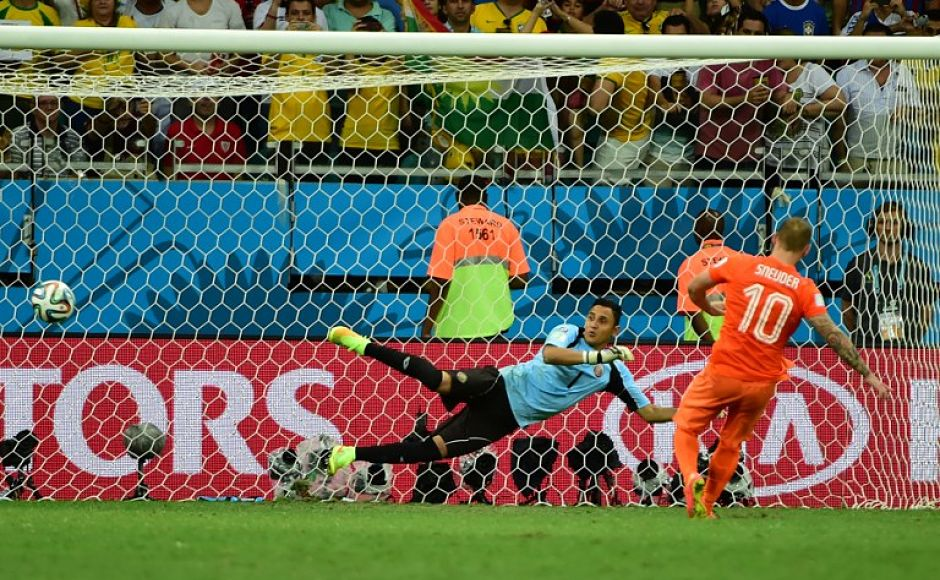 Costa Rica's Giancarlo Gonzalez made it 2-2 s he crunched one to the right, Krul went the right way but was beaten by the pace. Wesley Snijder made it 3-2 to Netherlands, sending the keeper wrong way. AFP