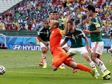Watch out for Arjen Robben dives, Costa Rica coach warns referees