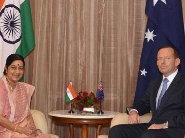 Australian PM Abbott meets Sushma, thanks India for splendid welcome