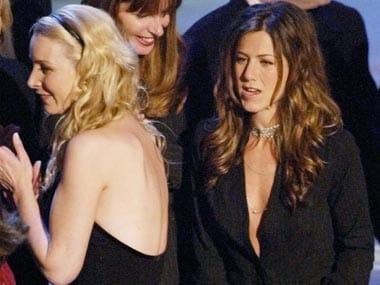 ACTRESS JENNIFER ANISTON ON STAGE AT PEOPLES CHOICE AWARDS.