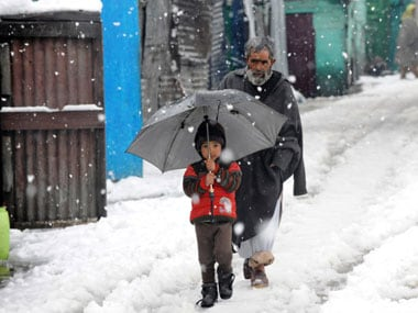J&K reels under cold wave, Kargil coldest at minus 16 degrees